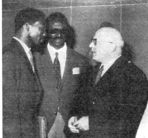 Obenga, Diop et Jean Leclant lors du Colloque du Caire (1974)